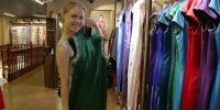 绣着的功夫 穿着的文化 外国友人体验中国传统旗袍之美 - 中国山东网